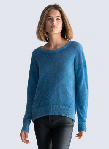 Round neck boxy spray printed Sweater