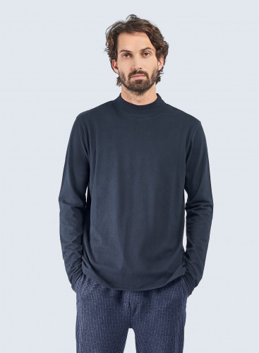 Stand-up collar T-shirt
